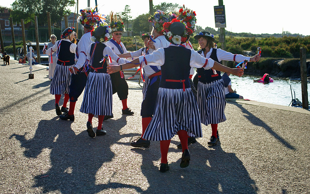 Barley Brigg dancing for Wells RNLI at Blakeney 2/9/17