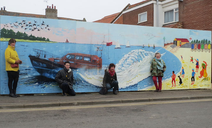 The mural with artists (l-r) Sue Rainsford, Toby Newman, Linda Pattrick and Hazel Ashley