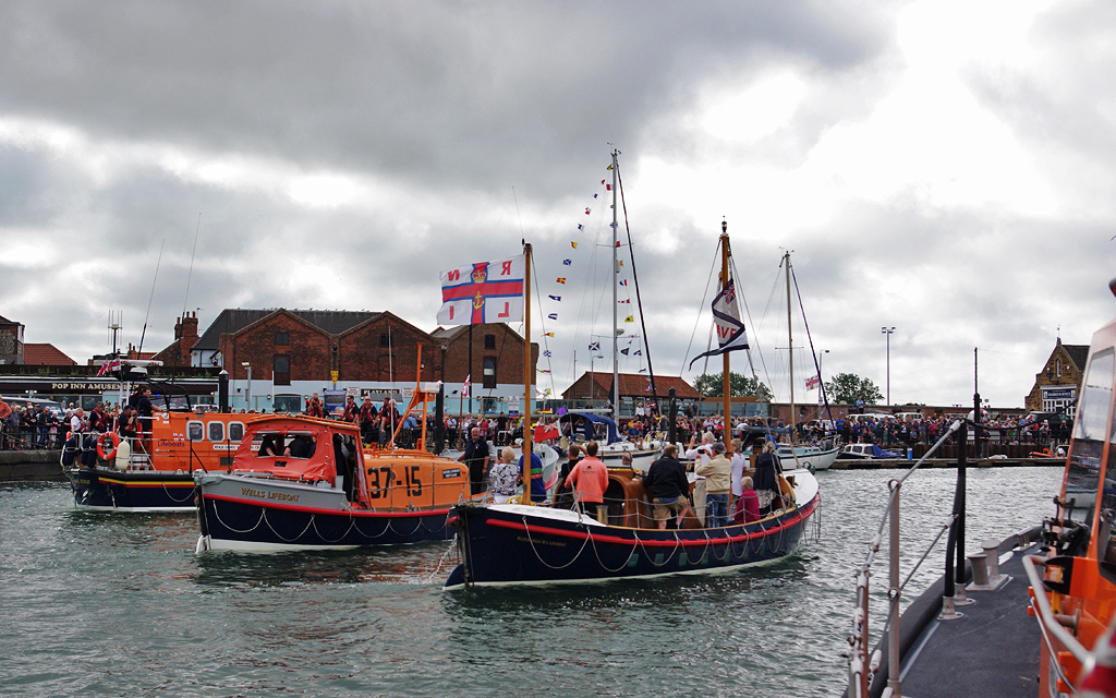 150th anniversary sail past in the quay