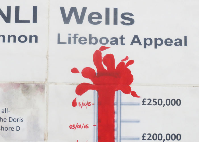 Latest Shannon appeal total on Wells quayside hoarding (16/10/15)