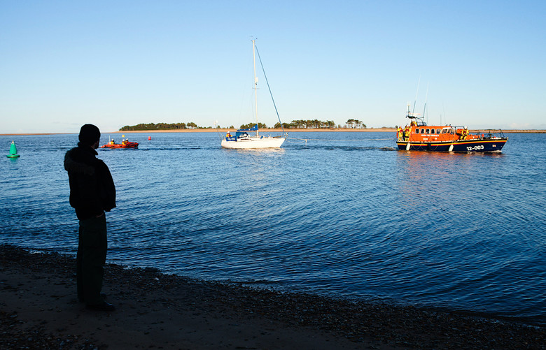 'Colchis' arriving safely back at Wells, her owner looking on