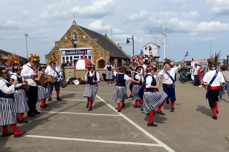Barley Brigg dancing on Wells quay 3/9